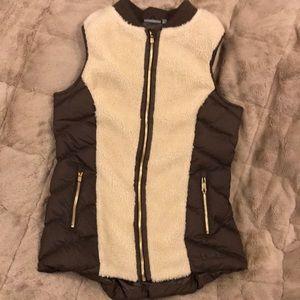 Athleta Tundra Vest Responsible Down size small